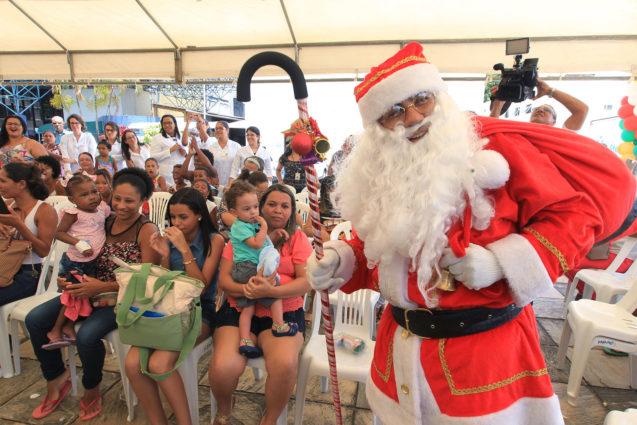 Pacientes pediátricos do Hospital Ana Nery participam de festa de Natal